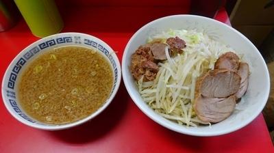 「小ラーメン(700円)+つけ麺(150円)あつもりニンニク」@ラーメン二郎 上野毛店の写真