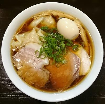 「醤油特製らぁ麺」@らぁ麺 すぎ本の写真