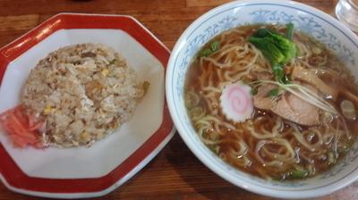 「Aセット ラーメン+半チャーハン(650円)」@食堂二宮の写真