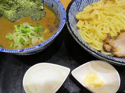 「カレーつけ麺(あつもり)+茹で玉子 「800円+サービス」」@つけめん・らーめん・煮干そば 金狼の写真