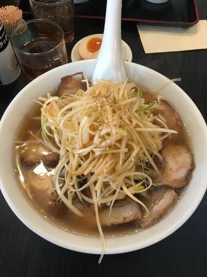 「ネギチャーシュー麺1040円」@喜多方ラーメン坂内 笹塚店の写真