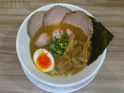 「魚とりとんこつラーメン」@ラー麺 陽はまた昇るの写真