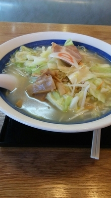 「野菜塩 大盛」@8番らーめん 城南末広店の写真