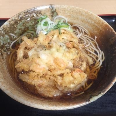 「海鮮かき揚げ(¥460)」@えきめんや 品川店の写真