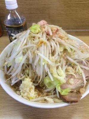 「ラーメン豚入り(ニンニク少なめ、他全増し)」@ラーメン二郎 栃木街道店の写真