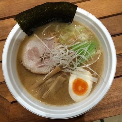 「魚介とんこつ(こってり)1000円」@酒池肉林の写真