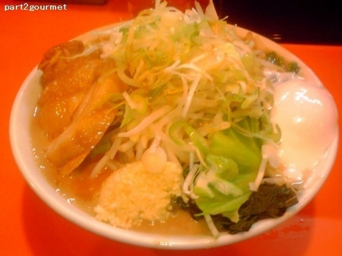 「らーめん(豚一切れ)+温玉+レン草 (940円)」@ちばからの写真