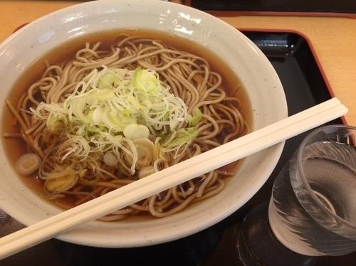 「かけそば【250円】」@梅もと 多摩川店の写真