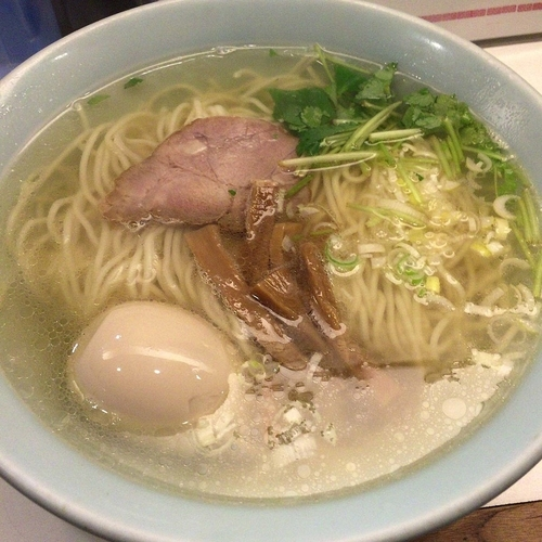 「透明系 塩味玉 730円」@麺者 侍の写真