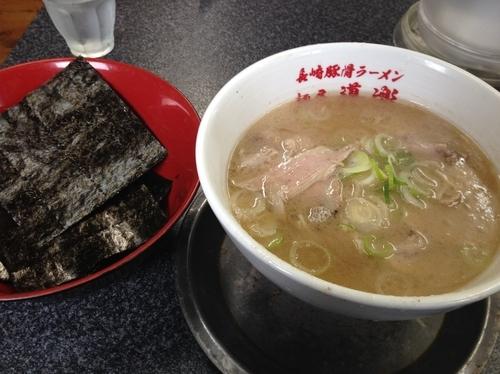 「ラーメン(カタめ)+佐賀華海苔+ちかっと替玉」@いちげん。の写真