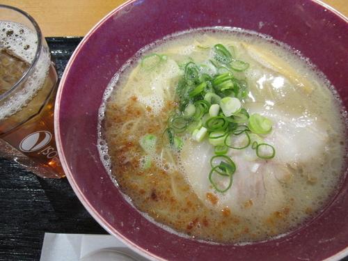 「塩とんこつらぁ麺(ドリンクバー付) 「842円」」@自家製麺 佐野 イオンモール春日部店の写真