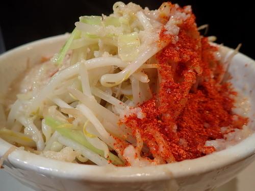 「ラーメン ヤサイ+脂マシマシ+唐辛子トリプル」@麺や 希 御徒町店の写真
