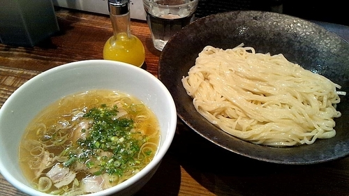 「新メニュー『しおつけ麺~わじまの水塩和え~(¥850)』」@町田汁場 しおらーめん 進化の写真