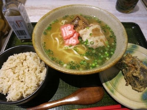 「沖縄そばともずく天ぷら定食  850円」@琉球バル ガチマヤの写真