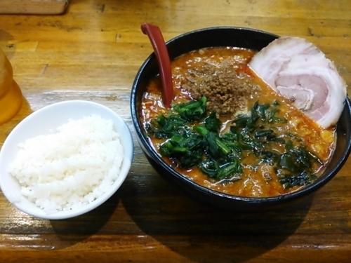 「黒酢担々麺 スーパー(激辛)トッピングチャーシュー1枚」@ラーメンと餃子の店 めんやの写真