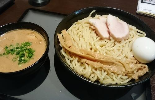 「特製濃厚つけ麺 中盛 1100円」@中華そば 輝羅の写真