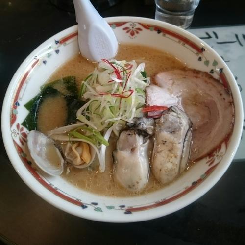 「牡蠣の味噌らーめん @1,100円限定」@味噌らーめん専門店 狼スープの写真