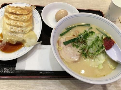 「味噌ラーメン+煮玉子+餃子」@味よし 三井アウトレットパーク仙台港店の写真