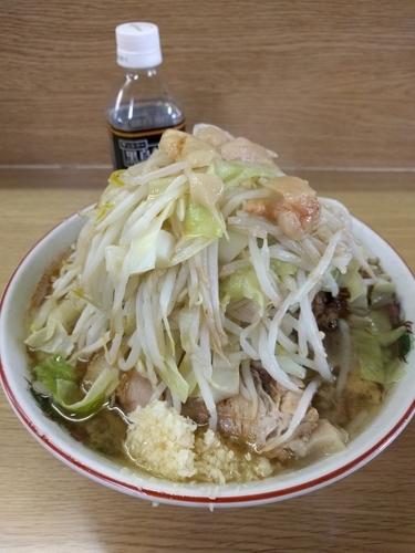 「ラーメン豚入り(ニンニク少なめヤサイアブラカラメ)」@ラーメン二郎 栃木街道店の写真