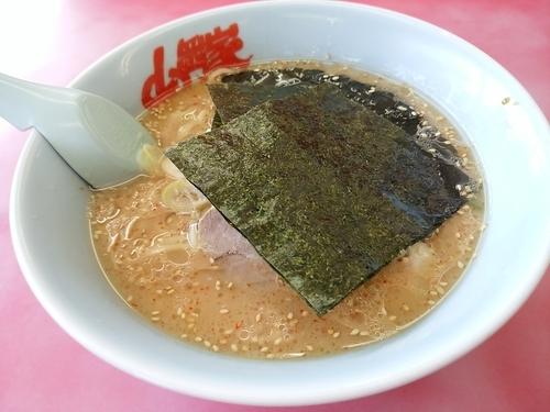 「味噌ラーメン(並盛・150g)630円」@ラーメン山岡家 高崎西店の写真