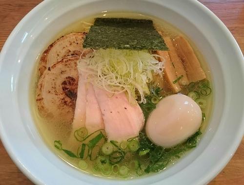 「純系塩 特製らーめん」@麺や 飛来の写真