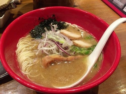 「塩ばり麺」@博多とんこつラーメン ばりの写真
