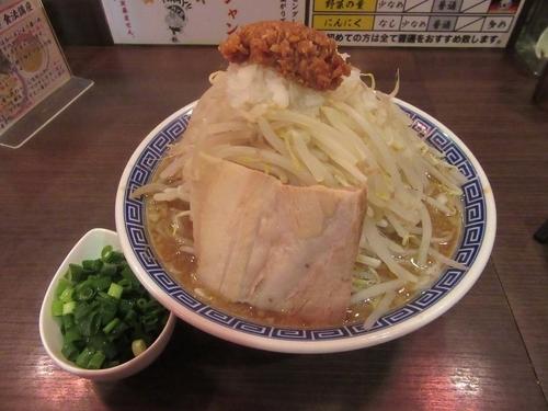 「ふじ麺かつお+大盛+青葱(930円)」@山勝角ふじ 京成大久保店の写真