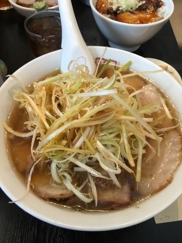「ネギ焼豚ラーメン1,040円」@喜多方ラーメン坂内 笹塚店の写真