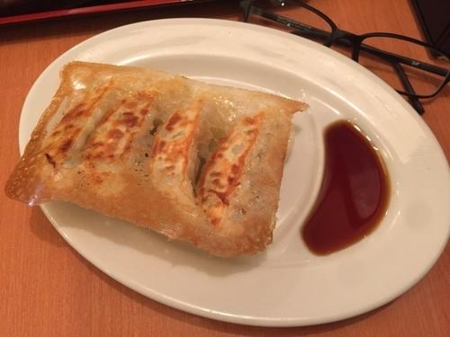 「焼き餃子 4個」@中華食堂 一番館 新大久保店の写真