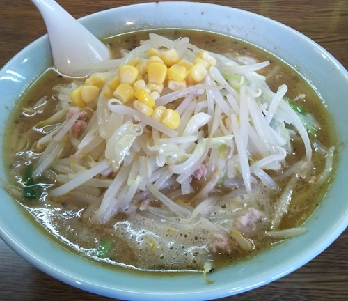 「みそラーメン+野菜増し 702円」@ジャンボ餃子 天神の写真