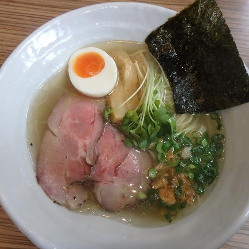 「淡麗塩らーめん(620円)」@麺作 赤シャモジ 本店の写真