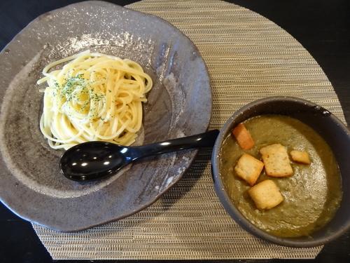 「ほうれん草とバジルのカレーつけパスタ」@つけ麺 房乃の写真