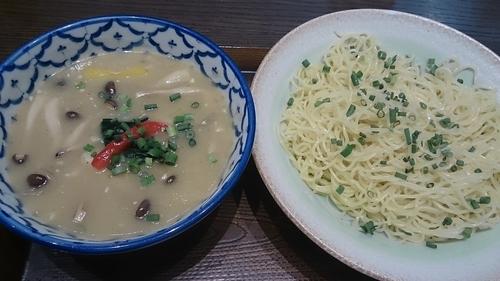 「グリーンカレーつけそば」@アジアン食堂Kuuの写真