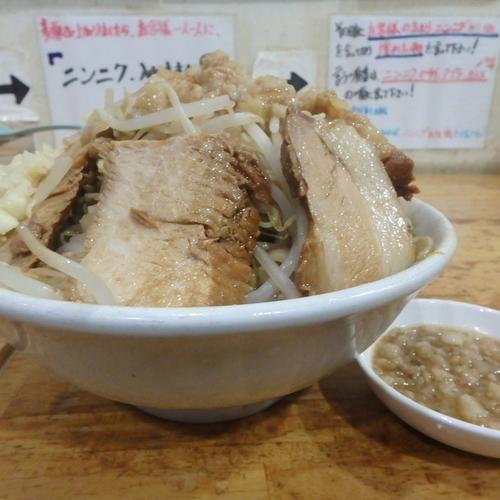 「豚ラーメン(950円)大盛、ヤサイニンニクアブラ」@ラーメン荘 これが好きだからの写真
