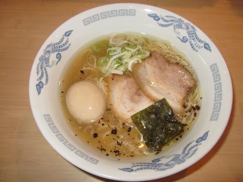 「熊本豚骨らーめん(680円)+(煮卵100円)」@心生麺商人の写真
