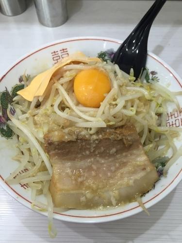 「醤油まぜそば、並、ヤサイ、アブラ、チーズ」@麺処MAZERU 神田店の写真