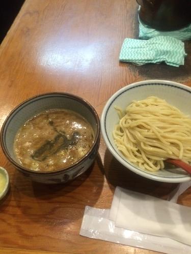 「濃厚煮干しつけ麺並盛830円+ニンニク無料」@月と鼈の写真