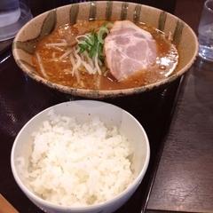 北海道らぁめん 伝丸 四谷四丁目店の写真