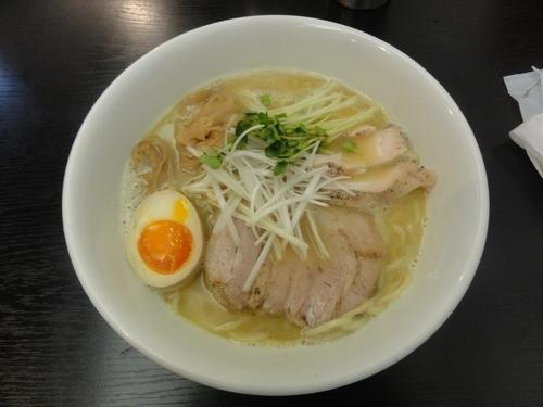 「魚介×鶏白湯ラーメン」@えびす丸の写真
