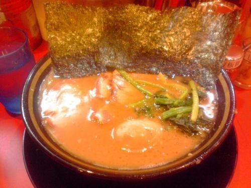 「チャーシューメン+味玉 (800円)」@家系ラーメン たつ家の写真