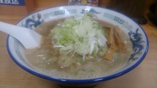「こく煮干し(平打ち麺)+ねぎだく」@長尾中華そば 青森駅前店の写真