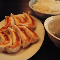 天鴻餃子房 神保町会館店の写真