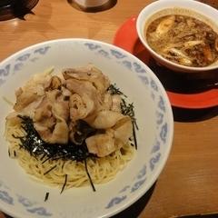 九州らーめん亀王 谷九店の写真
