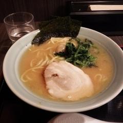 横浜家系ラーメン 港家 麹町店の写真