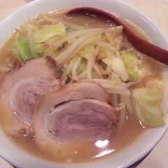 麺や 七郎 背脂の写真