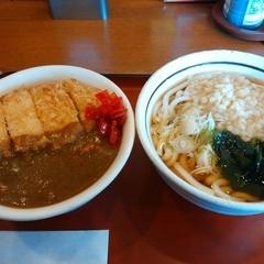 山田うどん 赤井店の写真
