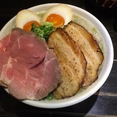 京都祗園  泉 麺家 千本丸太町店の写真