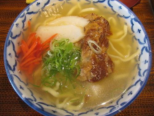 「ソーキソバ(ハーフ) 「518円」」@沖縄料理 なんくるないさー 錦糸町店の写真