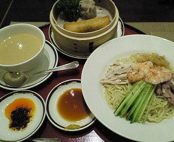 「(季節限定)涼麺 1500円 ※」@セブンシーズの写真