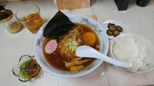 「醤油ラーメン+釜炊きごはん」@古民家 やま小屋らーめんの写真